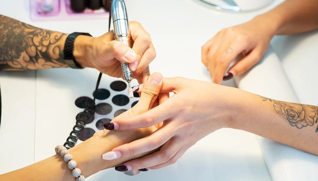 Kundenfoto: Schleiffen am Nageltisch FantasTisch bei New York Nails